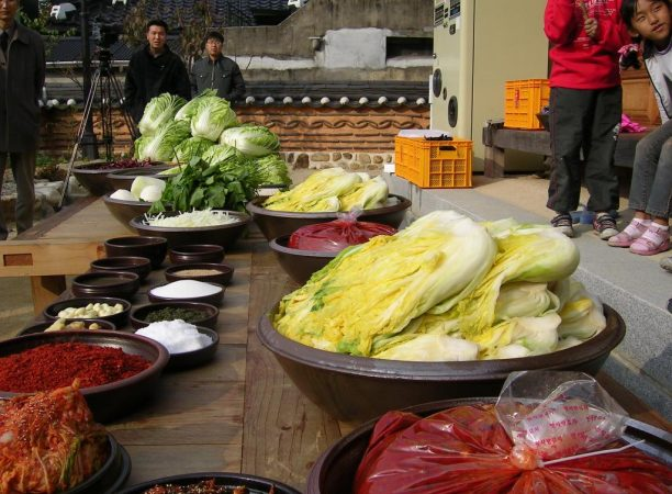 korean-cuisine-gimjang-preparation-for-making-kimchi-01