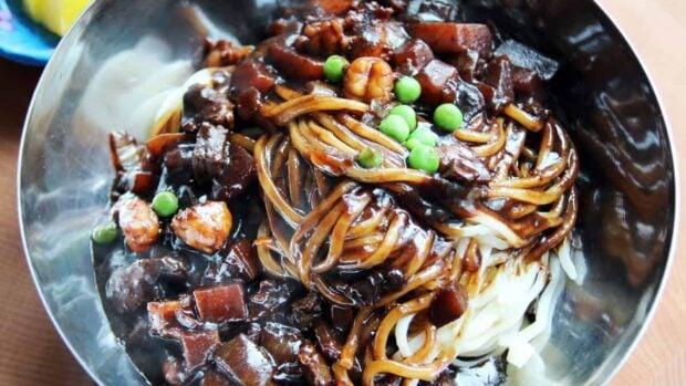 Jjajangmyeon (Noodles in blackbean sauce)