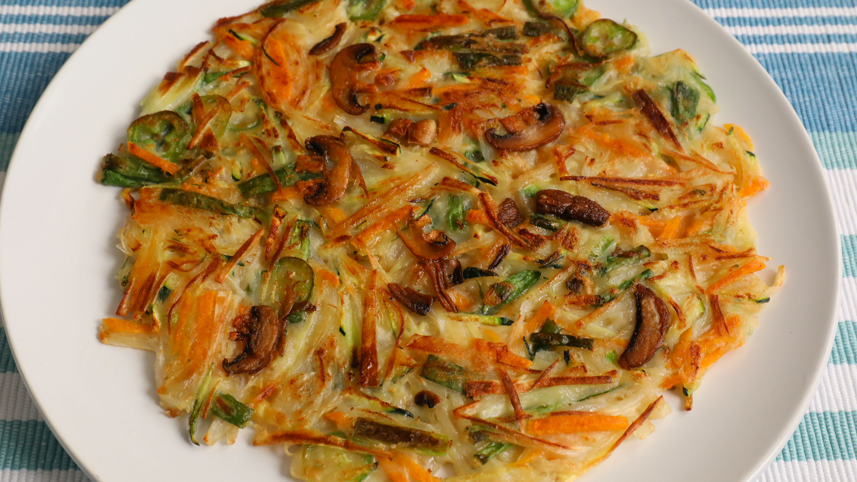 vegetable pancake yachaejeon recipe maangchi com