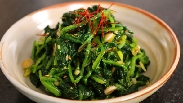 Spinach side dish (sigeumchi-namul)