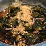 miyeok-naengchae (미역냉채, 미역무침, Korean seaweed salad)