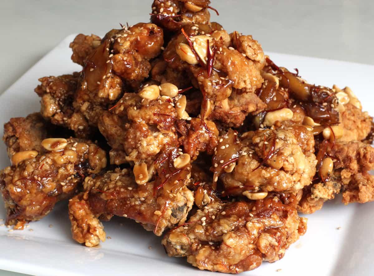 Sweet crispy fried chicken (Dakgangjeong) recipe