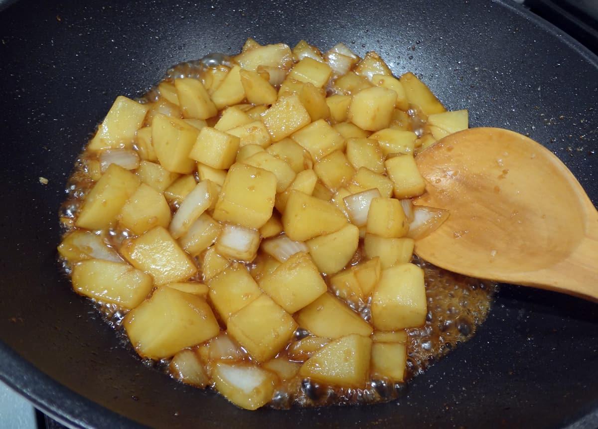 Potato soy sauce side dish gamjajorim recipe maangchi advertisement forumfinder Images