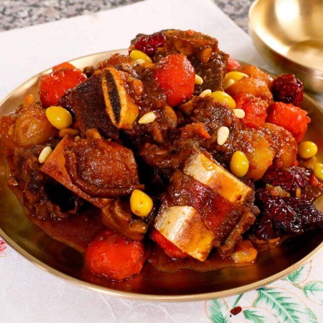 galbijjim (Korean braised beef short ribs) 갈비찜