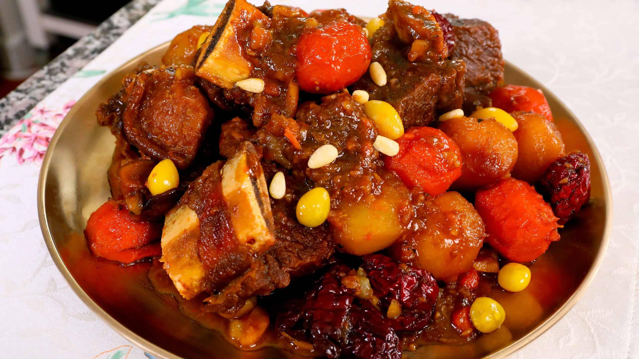 Braised beef short ribs (Galbi-jjim: 갈비찜) recipe - Maangchi.com