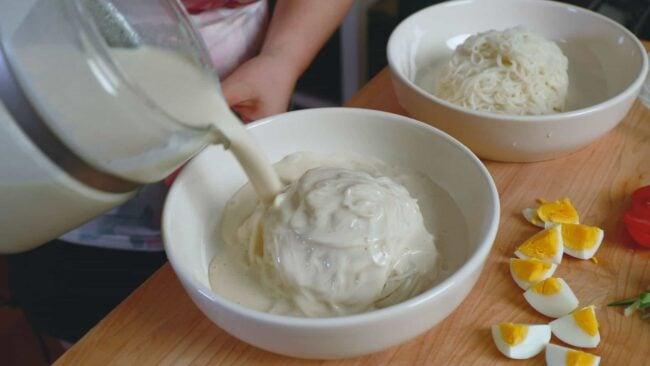 soy milk noodle soup (kongguksu: 콩국수)