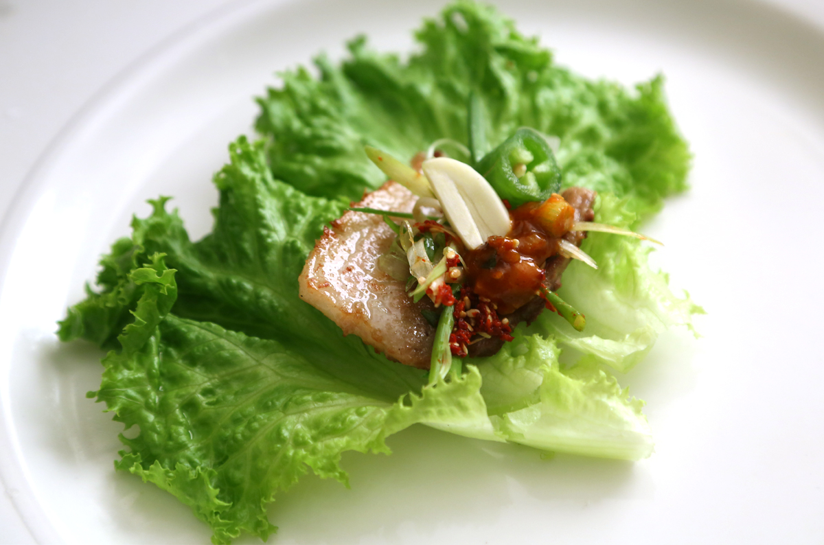 Grilled pork belly bbq samgyeopsal gui recipe maangchi grilled porkbellylettucewrap forumfinder Choice Image