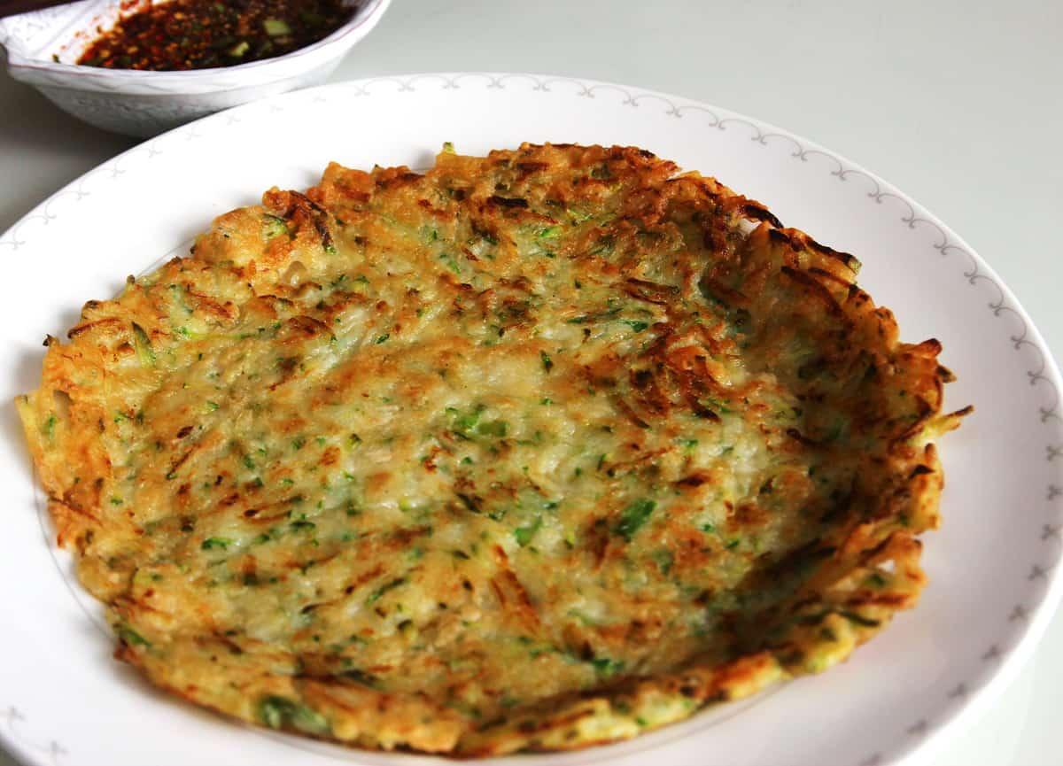 Squash pancakes hobakjeon recipe maangchi forumfinder Choice Image