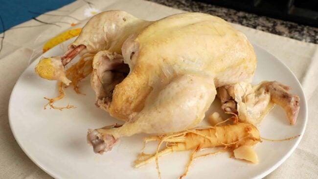 Chicken & Chicken Soup (Yeonggyebaeksuk: 영계백숙)