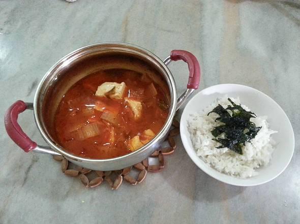 Kimchi-guk
