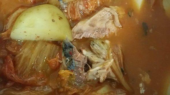 My Favourite Comfort Food - Kimchi Godeungeo Tongjorim Jjigae