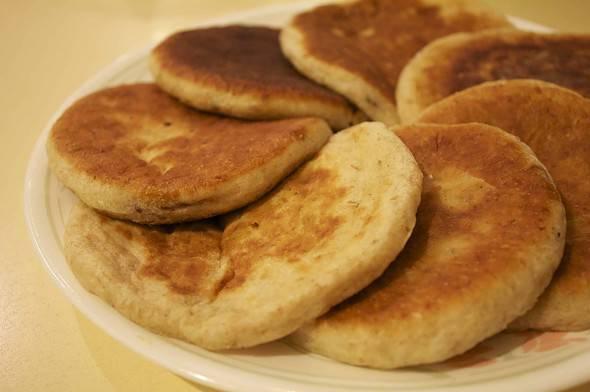 Korean food photo: Sweet pancakes with brown sugar syrup ...Hoddeok