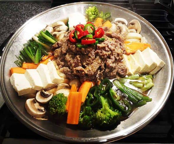 Korean food photo: bulgogi jeongol (stew) - Maangchi.com