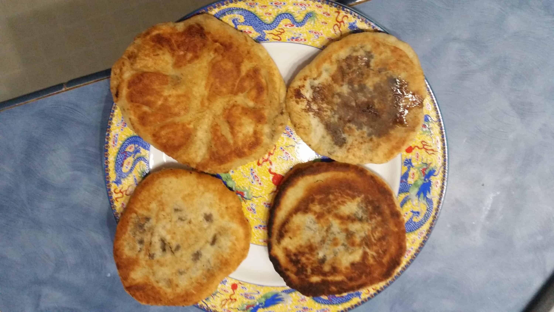 Korean food photo: Hoddeok (Sweet pancakes with brown ...Hoddeok