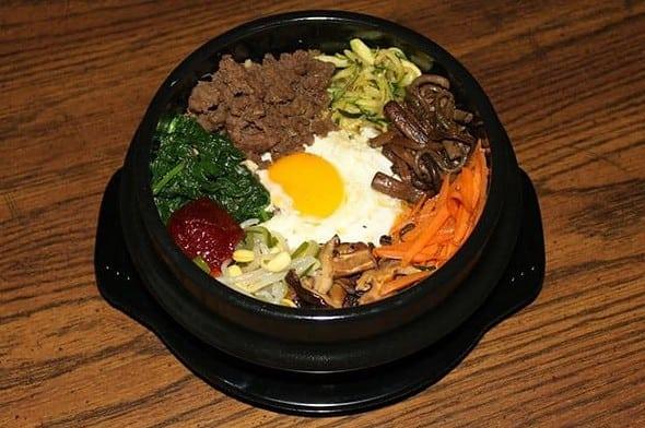 돌솥 비빔밥 (Dolsot Bibimbab)