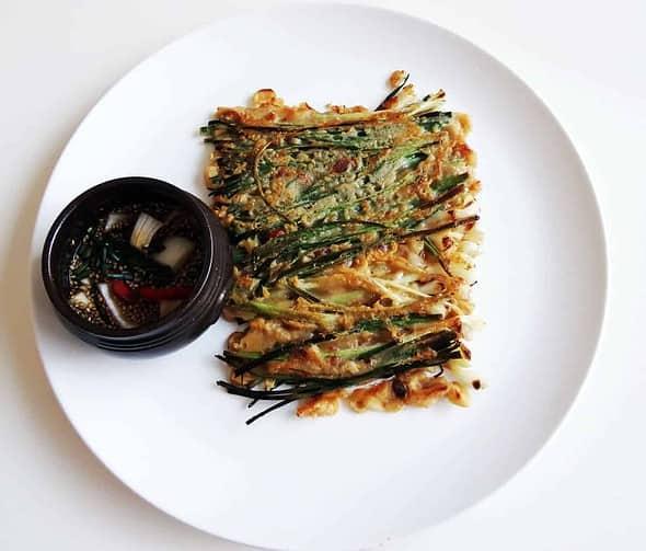Pajeon (Green onion pancake) recipe - Maangchi.com