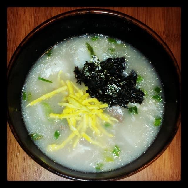 Korean Food Photo: Tteokguk