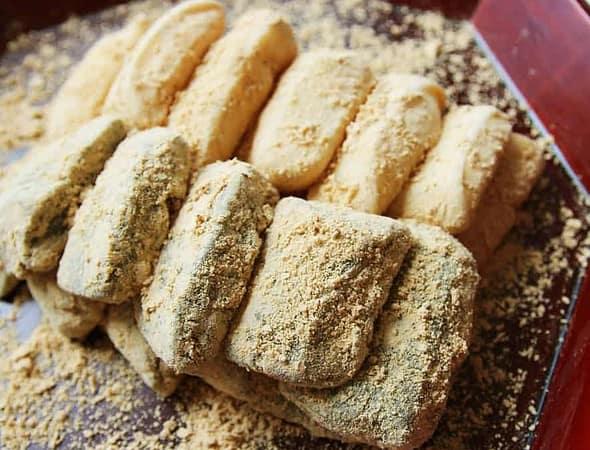 Injeolmi rice cake recipe - Maangchi.com