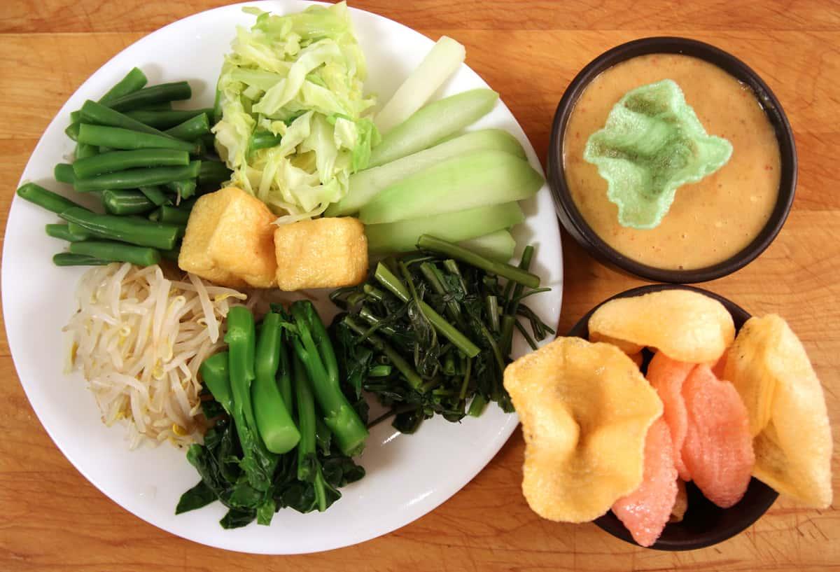 Gado-gado (Indonesian salad) recipe - Maangchi.com