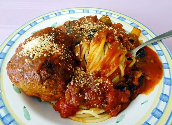 spaghetti and dutch meatball