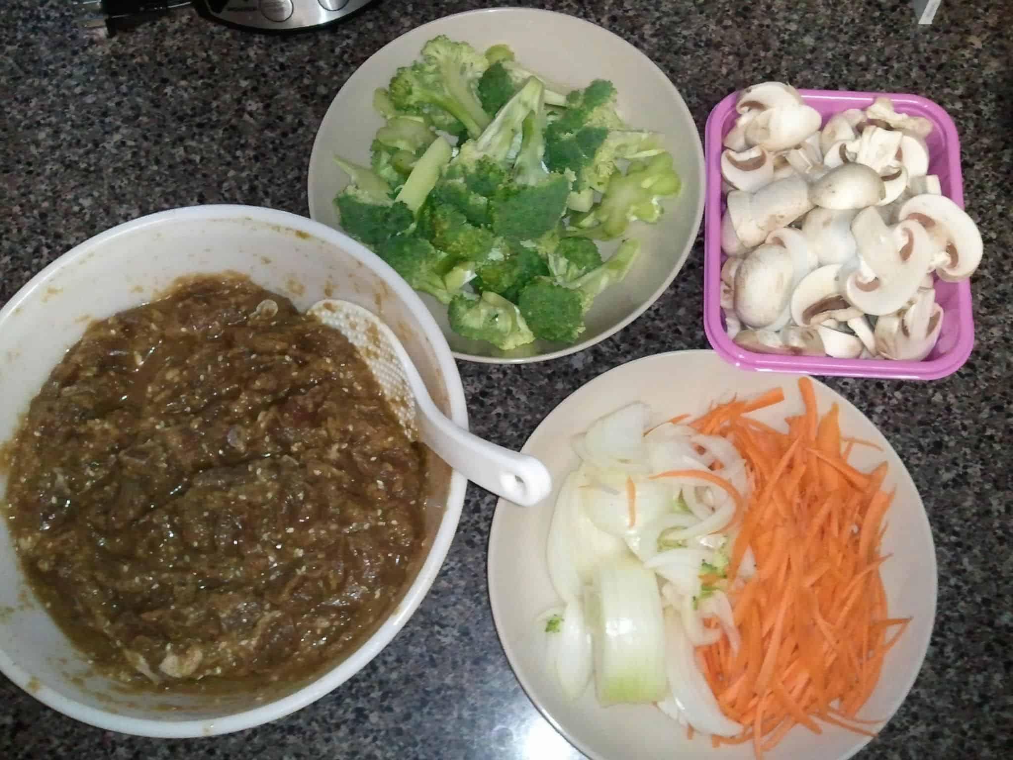 Korean food photo: Bulgogi and Vegetables - Maangchi.com
