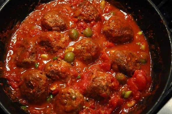 Meatballs_tomatosauce