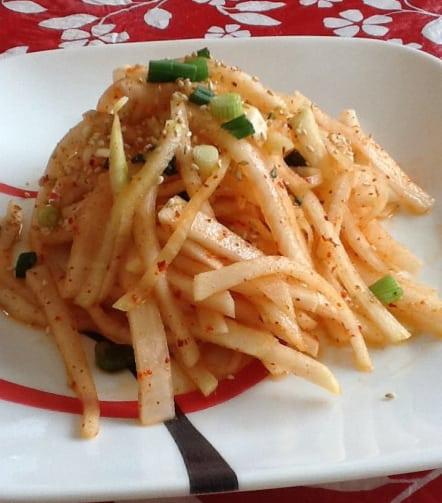 radish-salad (mu-saengchae: 무생채)