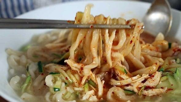 Korean chicken noodle soup (Kalguksu: 칼국수)