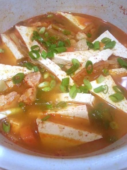 kimchi stew: 김치찌개