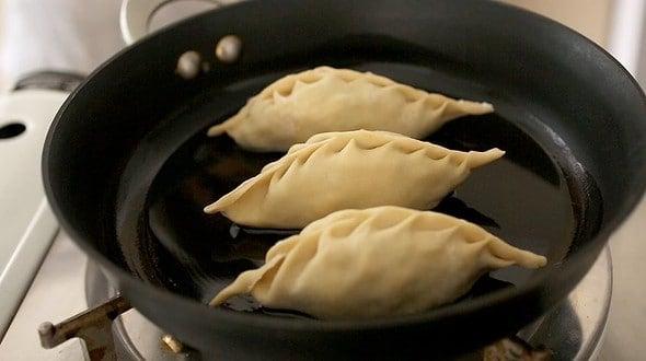 frying mandu