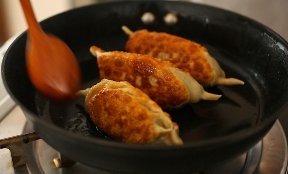 fried kimchi king mandu
