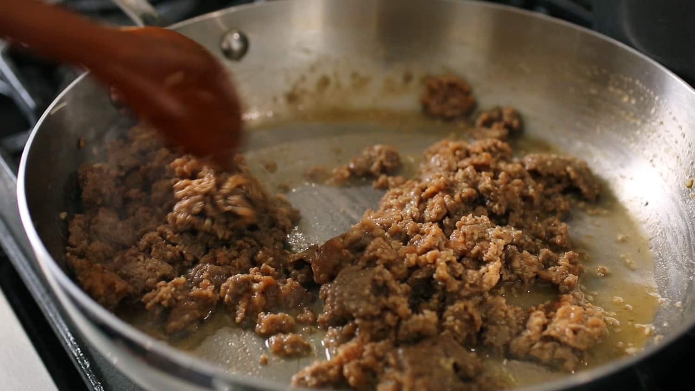 King-size kimchi dumplings (Kimchi-wangmandu) recipe - Maangchi.com