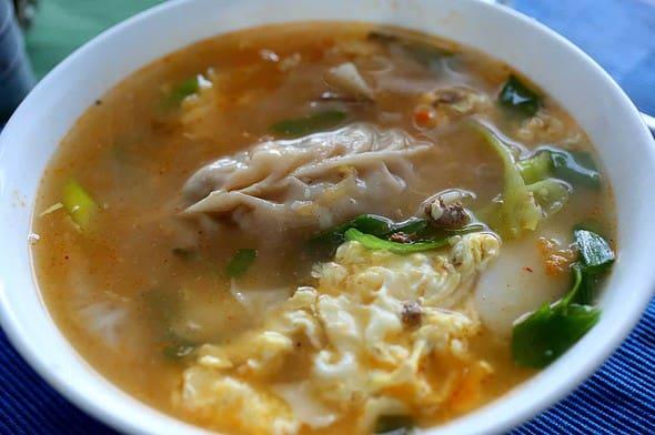 kimchi dumpling soup