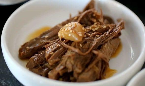 jangjorim (beef braised in soy sauce: 장조림)