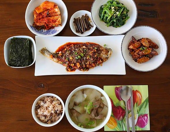 Korean table setting