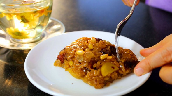 yaksik (Sweetened Rice with Dried Fruits and Nuts: 약식)