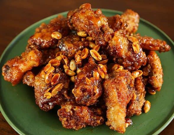 dakgangjeong (Korean fried chicken: 닭강정)