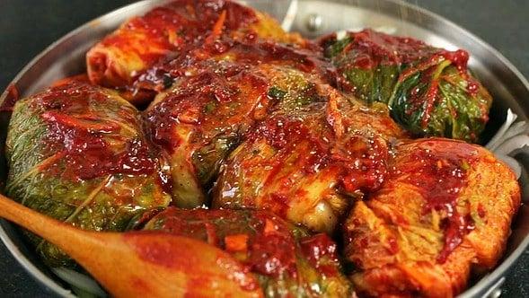 braised kimchi (kimchijjim: 김치찜)