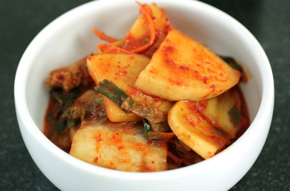 radish kimchi (무우 김치)