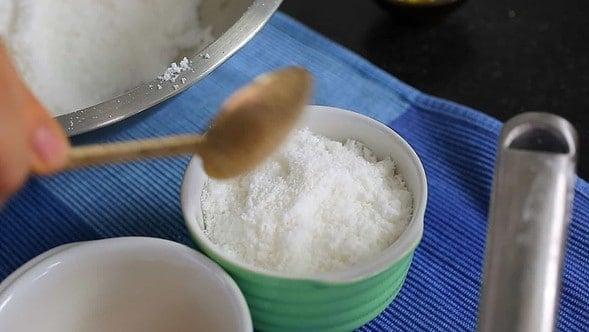 hobaktteok (squash rice cake: 호박떡)