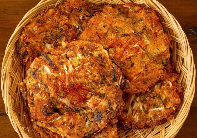 Bindaetteok (mung bean pancakes: 빈대떡)