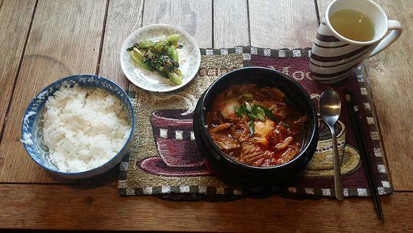 Kimchi-jjigae and Cheonggyeongchae doenjang-muchim!