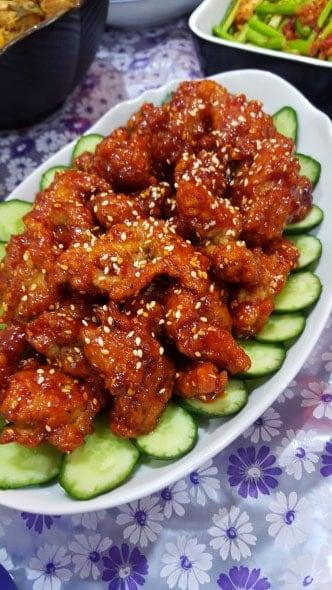 yangnyeomtongdak (Korean fried chicken: 양념통닭)