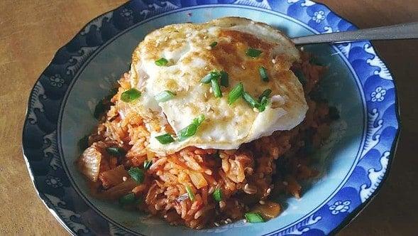 https://www.maangchi.com/wp-content/uploads/2016/03/kimchi-fried-rice-150x150.jpg