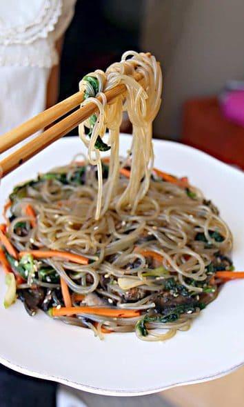 Vegan Korean Glass Noodles (JapChae)