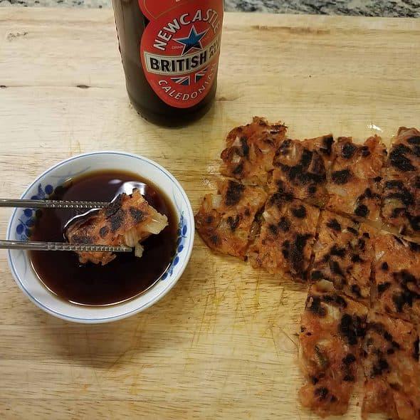김치전 (Kimchi pancake)