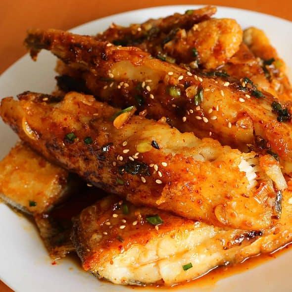 Seasoned pan fried flat fish (Gajami yangnyeom-twigim: 가자미 양념튀김)