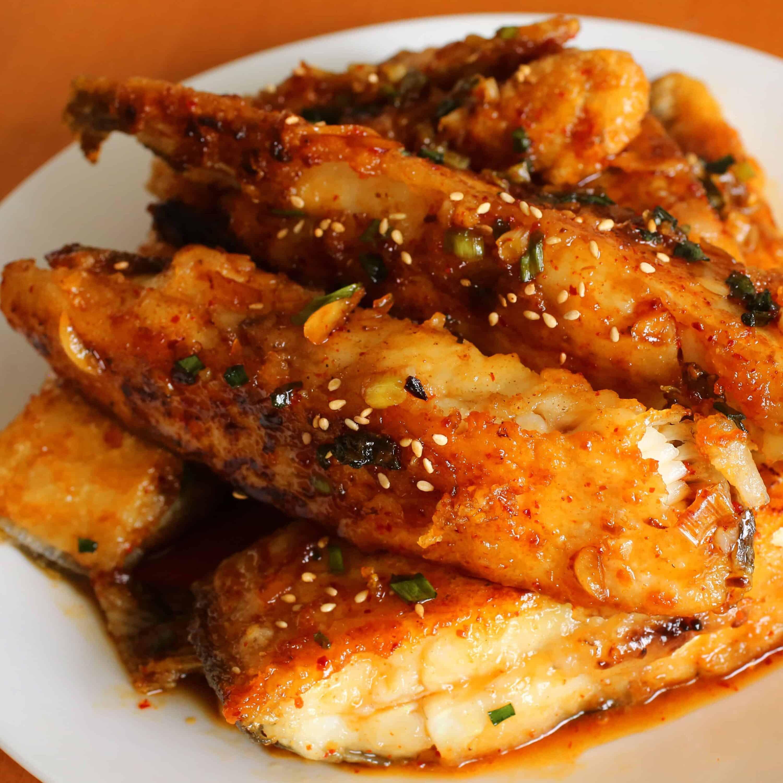 Seasoned pan fried flatfish gajami yangnyeom twigim for Pan fried fish recipe