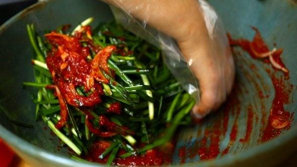 chive-kimchi-mixing