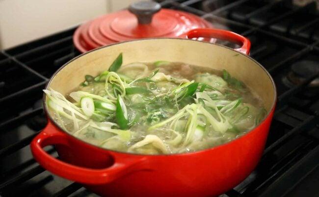 mandu-guk green onions